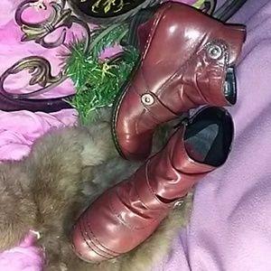 Women's low top boots